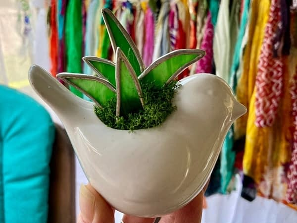 Aloe Plant in White Bird Magnetic Pot Mountain Woman Products